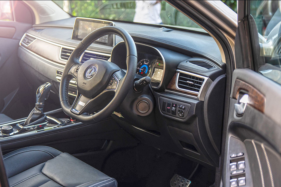 Glory i-Auto Gallery Image, Interior View, Exterior View, Features and Options